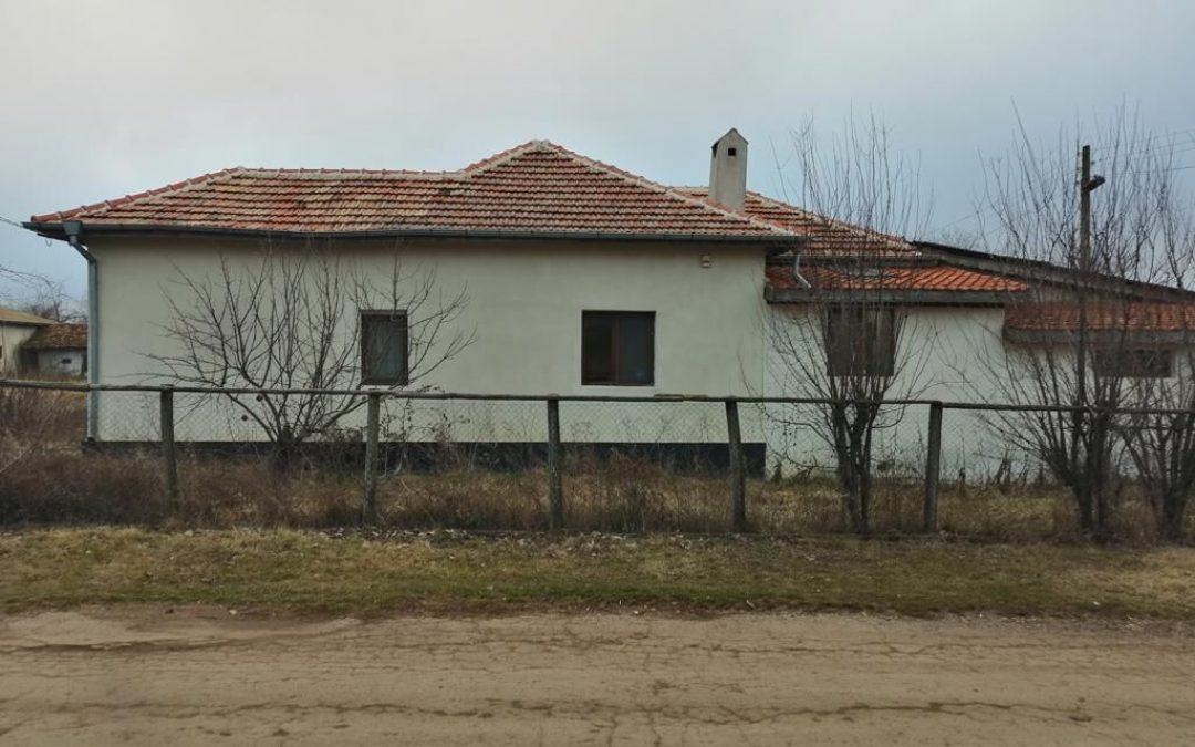 Kъща в с.Дъбрава община Балчик.