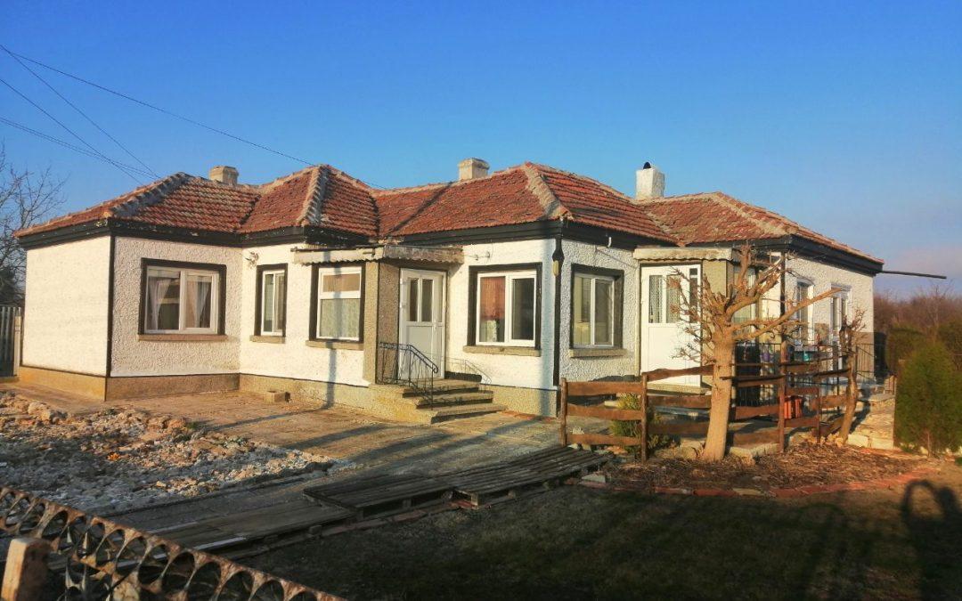 Реновирана къща в с.Сенокос община Балчик.