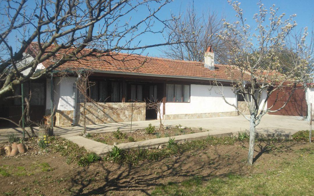 Къща в старинен стил на 35.км.от морето.