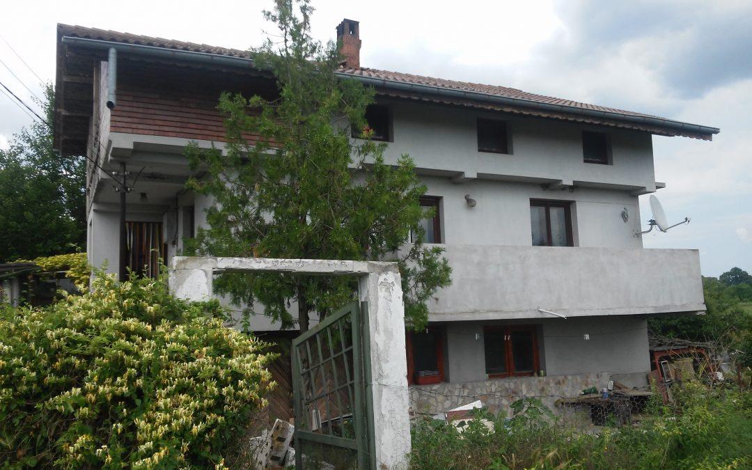 Триетажна къща в с.Победа община Добричка.