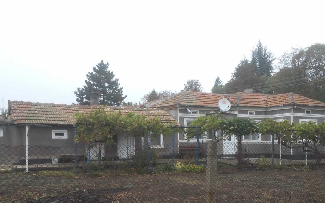 Къща на 13.км.от гр.Добрич.