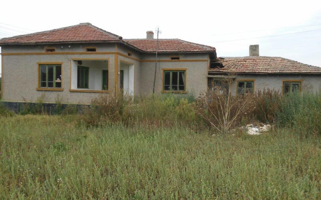 Къща в с.Соколово.6.км.от морето.