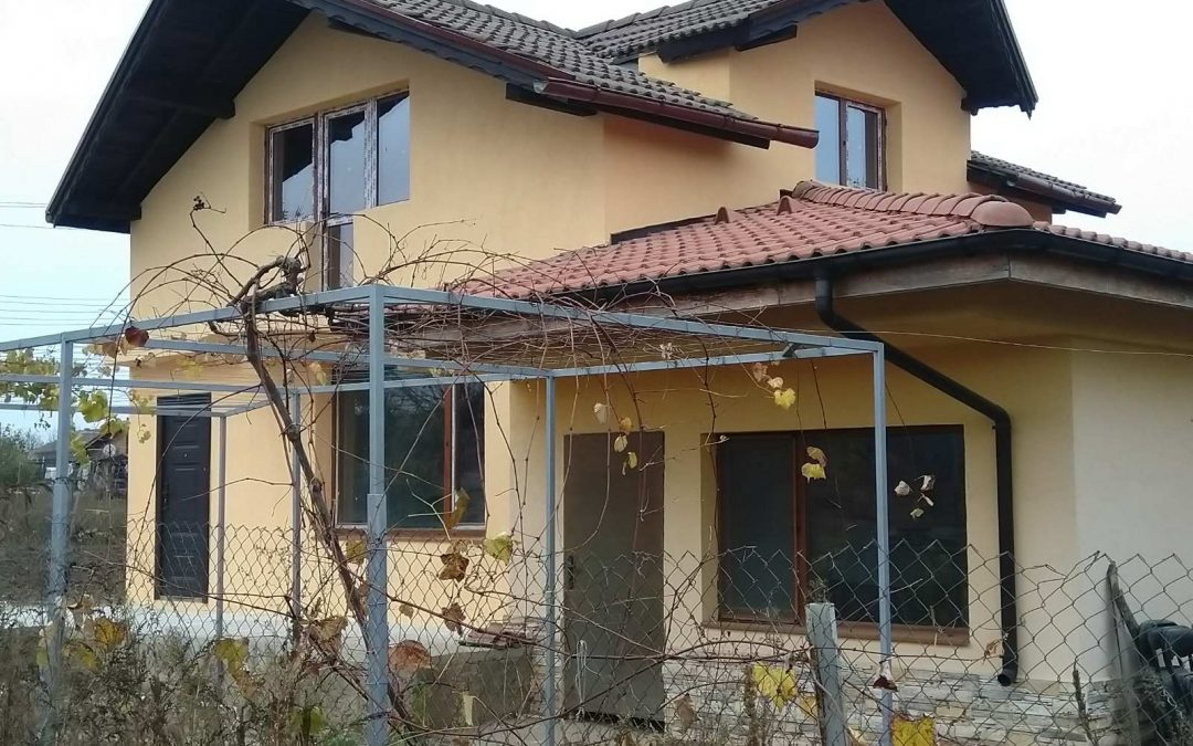Реновирана къща на 2.км.от гр. Добрич.