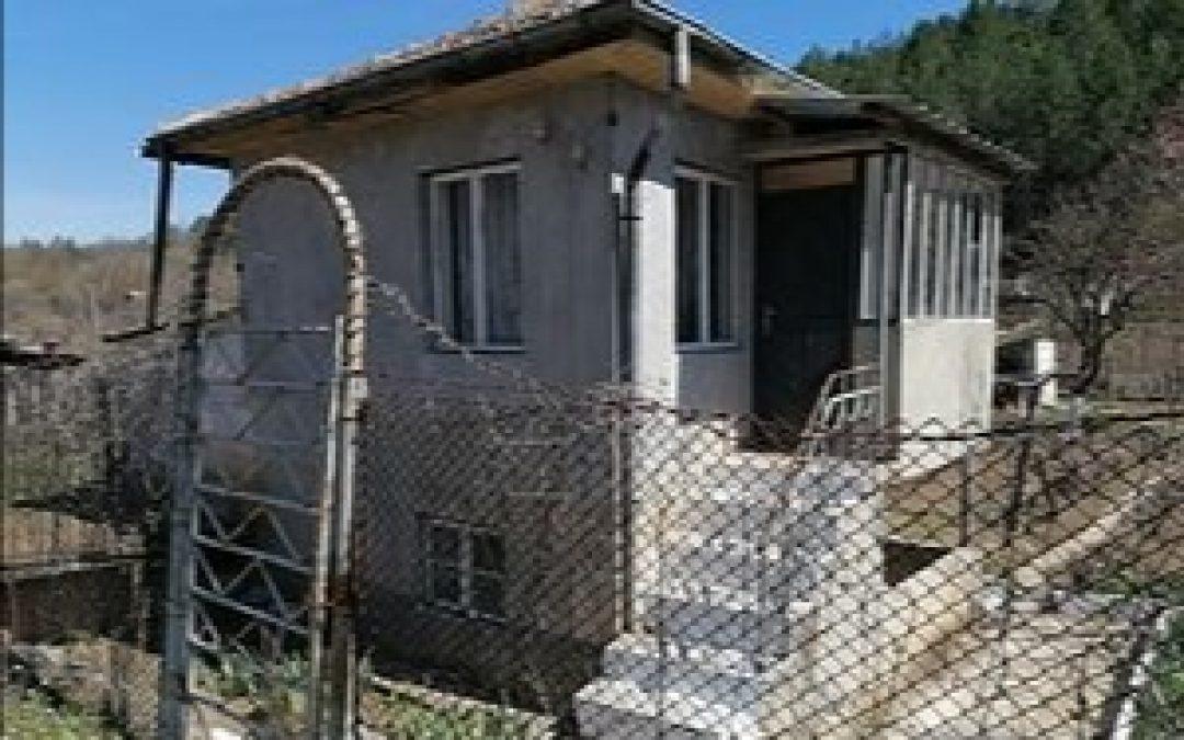 Вилен имот на 3.км.от центъра на гр. Добрич.
